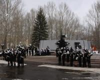 И пусть не будет больше войн!  Пятьдесят белоснежных символов мира выпустили в небо наши кадеты.