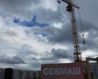 Фирменные закладные кирпичи. Фото Андрея Мирошникова