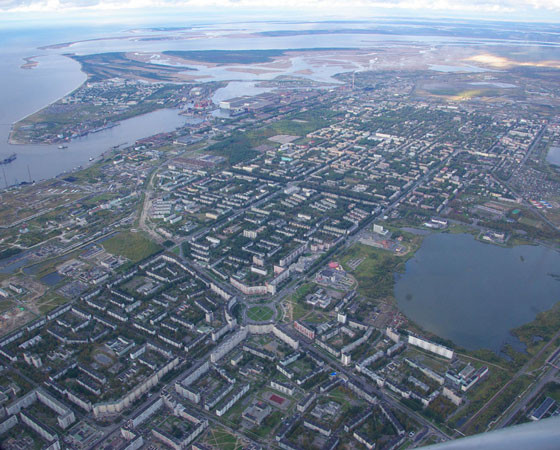 Город Северодвинск имеет два герба, а у муниципального образования символа нет. Фото Сергея Поздеева