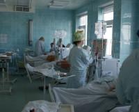 Процесс подключения пациентов отделения к аппаратам «искусственная почка». Фото из архива ЦМСЧ-58