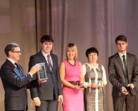Лауреаты муниципальной премии — авторский коллектив инновационно-образовательного проекта «Инженерная школа». Фото Ольги Стойковой