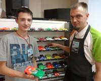 Северодвинец Сергей Ветров с тренером Романом Артемьевским (справа). Фото автора