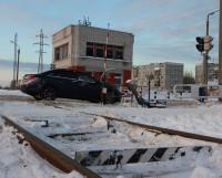На ремонт железнодорожного переезда на пр. Морском выделены 665 тысяч рублей. Фото автора