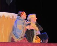 Непросто отстоять свою любовь Никите (А. Лобанов) и Любушке (М. Несговорова). Фото автора