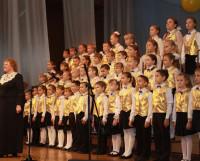 «Веснушки» с хормейстером Ольгой Воронцовой. Фото Валентина Капустина