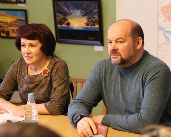 И. Ковалёва и И. Орлов отвечают на вопросы многодетных семей. Фото Андрея Мирошникова