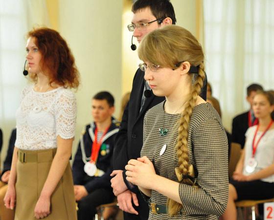 Волнение не помешало уверенным ответам Елизаветы Пугачевской. Фото пресс-службы администрации области