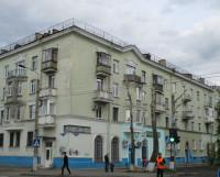 От системы электроснабжения дома 5/7 по пр. Беломорскому работают несколько магазинов да ещё и светофор. Фото Галины Чарупы