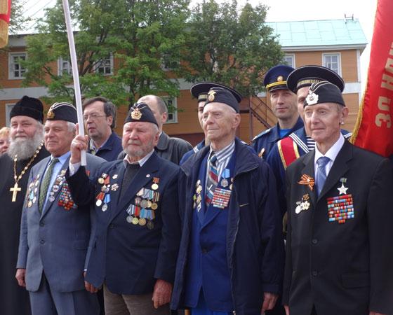 Слева-направо: В.А. Солдатов, А.В. Лочагин, А.И. Сапожков, В.Н. Харчев