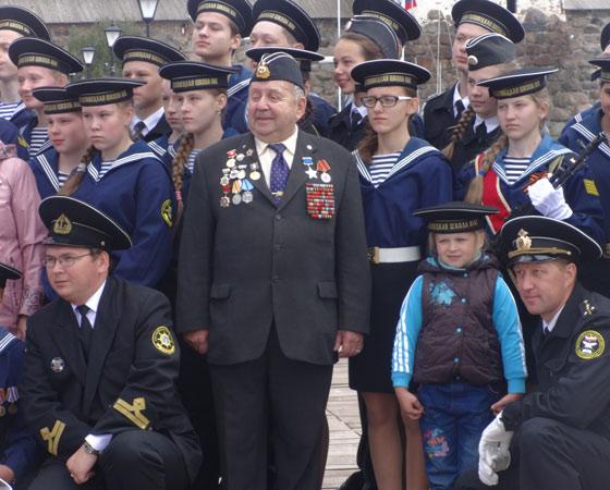 Б.В. Давыдов с подрастающей сменой
