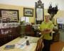 Г.М. Клещинова в музее локомотивного депо Исакогорка: «Так выглядела комната железнодорожника околовоенных лет». Фото Екатерины Курзеневой