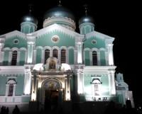 В Свято-Троицком соборе монастыря находятся мощи преподобного Серафима Саровского. Фото Натальи Трофимовой