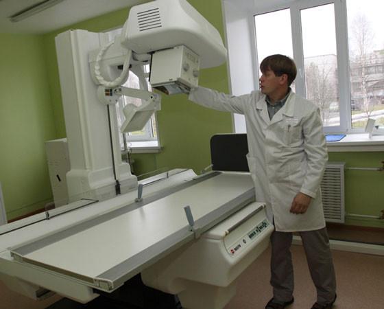 Быстро и точно — вот преимущества нового цифрового рентген-аппарата. Фото Валентина Капустин