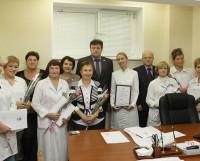 Дружный коллектив центра на юбилейном награждении. Фото Валентина Капустина