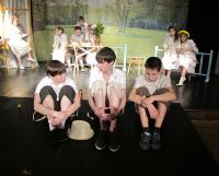 Сцена из спектакля «Время одуванчиков». Фото автора