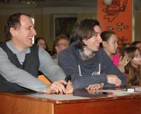 Антон Михалёв (справа) в жюри конкурса актёрского мастерства «Тандем-шоу» к Дню смеха. Фото Юлии Алексеенко
