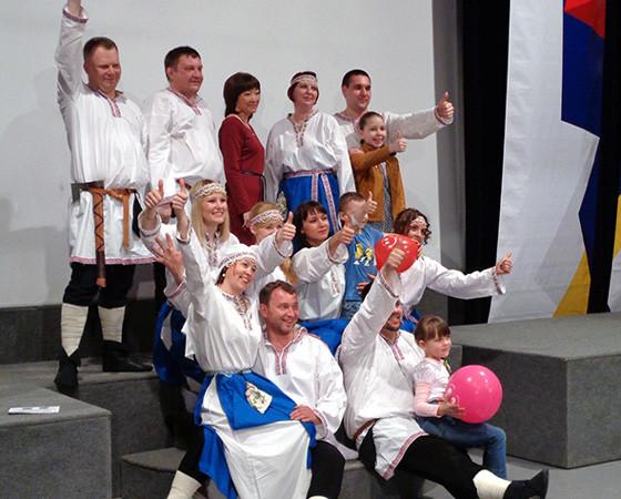 Хор СВОП празднует победу. Фото автора