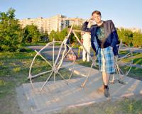 Мастер и велосипед. Фото Елены Никитиной