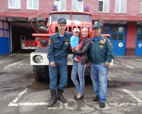 Пожарная часть — как дом родной. С такими мужчинами Виталина чувствует себя в полной безопасности.