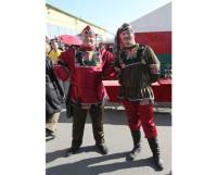 В прошлом году на «Николинку» народ зазывали скоморохи. И на сей раз без них не обойдётся. Фото Валентина Капустина