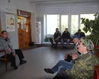 30 августа. Первый клиент занял очередь в 6.00. В 9.32 он даже не зашёл в кабинет. Фото Андрея Мирошникова