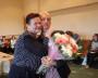 На сборе труппы можно и подурачиться с директором (А. Голубева поздравляет актёра А.Лобанова с женитьбой) Фото автора