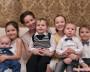 Теперь уполномоченный по правам ребенка в РФ — многодетная мама. Анна Кузнецова со своими детьми. Фото с сайта www.stranamam.ru