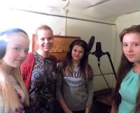 На записи клипа в студии ДОФа (слева направо) Катя Кузякова, Екатерина Колосова, Марина Калачёва и Аня Беркут. Фото Ольги Кузяковой