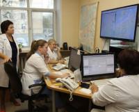Диспетчеры принимают порядка 1000 звонков за сутки.