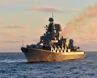 Ракетный крейсер «Маршал Устинов» в Белом море.   Фото М. Биктимирова