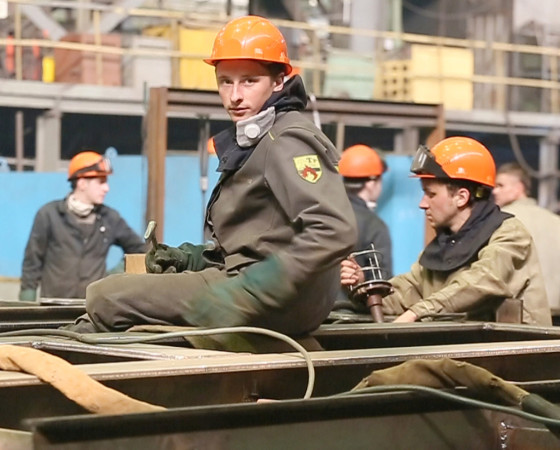 И сегодня работники КСП участвуют в выполнении производственной программы предприятия.  Фото О. Перова