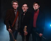 Харизматичный «Лайф» (слева направо): Петр Мишуков (гитара), Александр Конурин (бас-гитара, вокал), Олег Чайковский (ударные). Фото Олега Уварова
