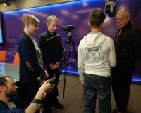 Владимир Грамматиков в окружении начинающих репортёров. Фото автора