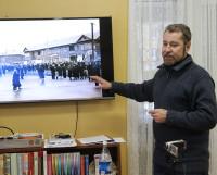 На встрече экскурсоводов Алексей Климов показал снимки Молотовска, сделанные его отцом в 1955 году. Фото автора