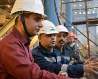Руководитель группы наблюдения кэптен Р.Р. Джагат регулярно инспектирует ход работ на заказе. Фото Семёна Лишицы