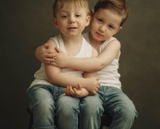 Никита и Кирилл Говдя, 2 года. Родились в 34 недели с весом 2,3 и 1,9 кг. Фото Романа Клименко