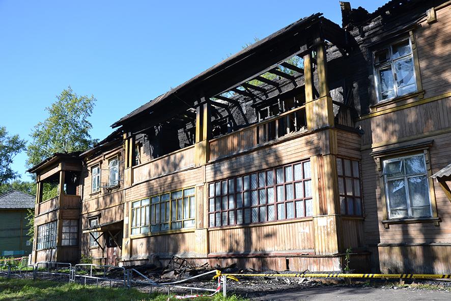 Дом восстановлению не подлежит