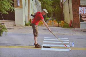 Жители штата Техас нарисовали «зебры» там, где удобно переходить дорогу.