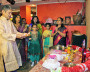 Главный ритуал проводят родители кэптена Рахула Джагата — Рекха и  Рамакант.