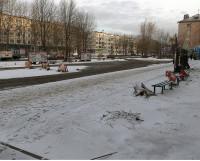 Разместится комплекс на территории между домом 19/15 на ул. Карла Маркса  и проезжей частью этой улицы. Сейчас здесь установлены предупреждающие знаки  о проведении дорожных работ.