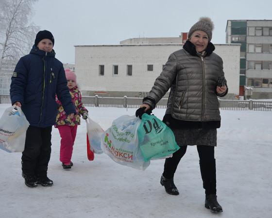На акцию по раздельному сбору отходов приходили семейными командами!