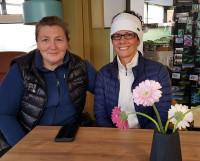 А. Андреассен (слева) с гостящей у неё подругой из Северодвинска.