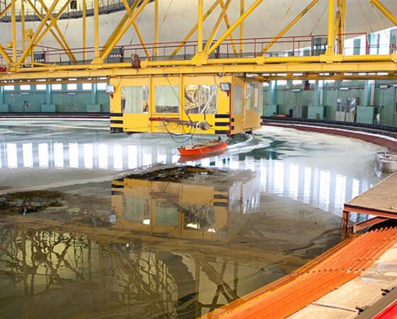 Циркулярный бассейн не раз становился местом съёмки фильмов.