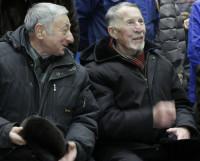 Валентин Алексеевич Репин (на снимке справа) всегда желанный гость на значимых для завода мероприятиях.