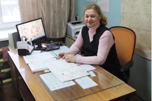 Диспетчер СМУП ЖКХ «ГОРВИК» Валентина Магрова проработала на предприятии 17 лет. В её обязанности входят приём заявок, переговоры с предприятиями города.