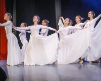 Выступает хореографический коллектив «Арабеск» (НТЦ «Звёздочка»).