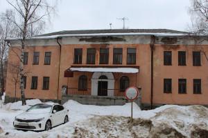 В здании на ули-це Бойчука, 3а индивидуальный предприниматель планирует организовать частный детский сад. Скоро с ним будет заключён договор аренды.