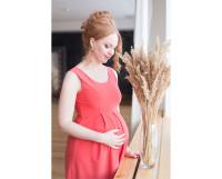 Так Ю. Новикова выглядела на 9-м месяце беременности.