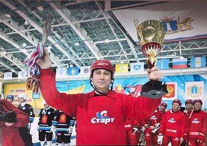 Капитан ветеранов «Старта» Валерий Могучий.