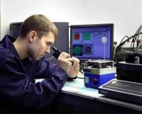 Настройка волоконно-оптической линии связи —уникальная работа.